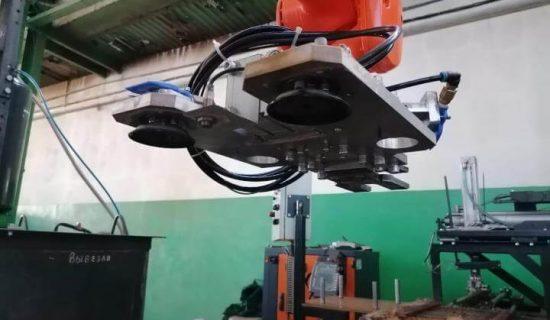 2021 — Разработан пневматических захват для роботизированного комплекса