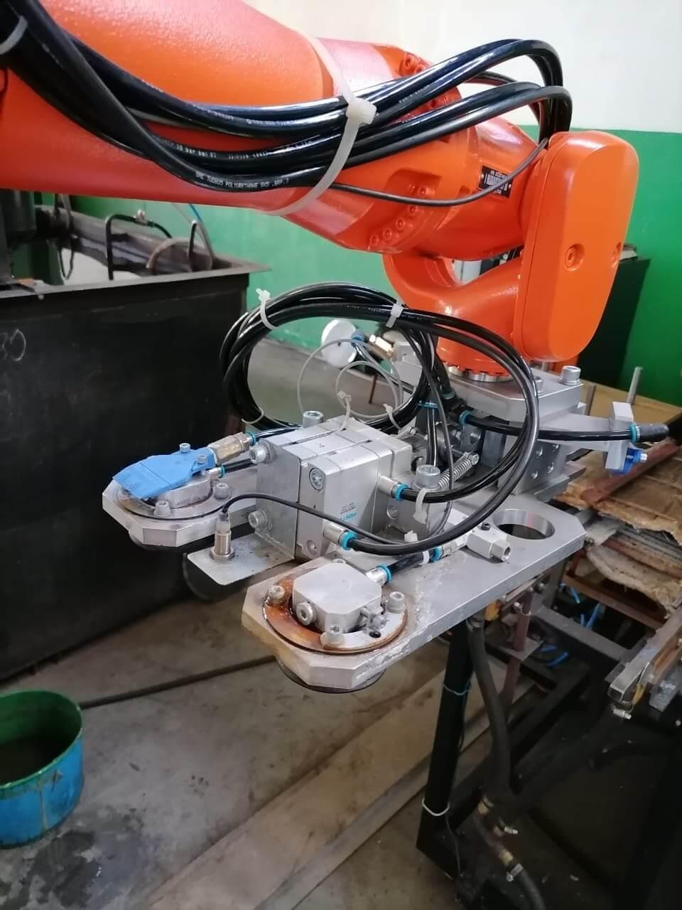 Пневматический захват для робота